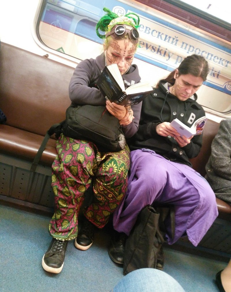 окуните палец чудные люди в метро фото своей ценовой категории